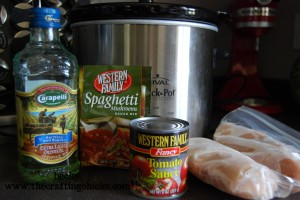 All the ingredients you need to make easy crockpot Chicken cacciatorie