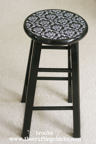 modpodged-fabric-barstool