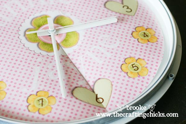 personalized-decorative-clock-closeup2