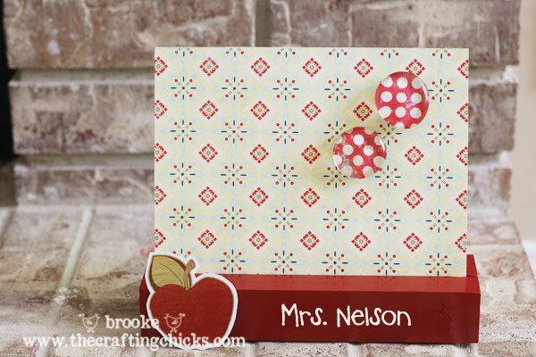 decorative-teacher-magnet-board-with-magnets