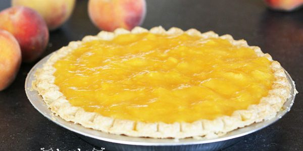 Homemade Peaches and Cream Pie