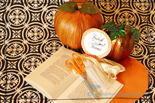 DIY Vintage Paper Halloween Wreath
