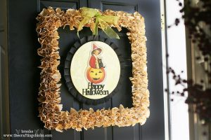 halloween-square-paper-wreath