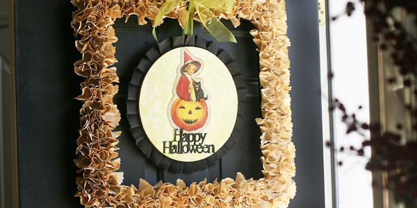 Vintage Halloween Square Wreath