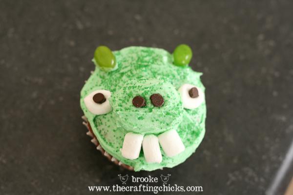 Angry Bird Pig Cupcakes
