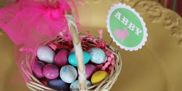 {Mini Easter Basket Place Card Holders}