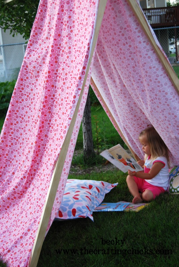 E in reading tent
