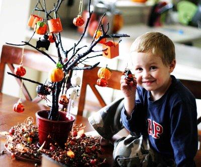 DIY Spooky Halloween Tree