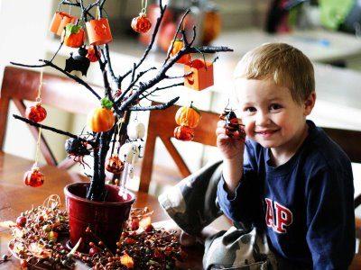 DIY SPOOOOOKY HALLOWEEN TREE