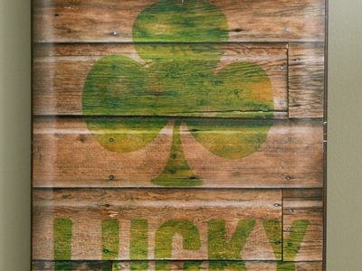 """Lucky"" Shamrock Reclaimed Wood Printable for St. Patrick's Day"