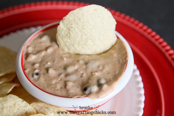 easy crockpot cheesy black beans refried beans