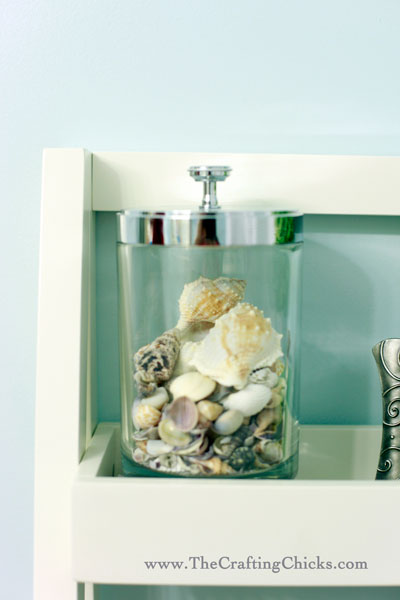 bathroom-seashells