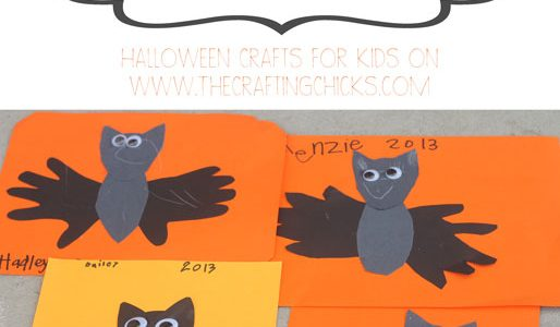 Handprint Bats:: Halloween Crafts for Kids
