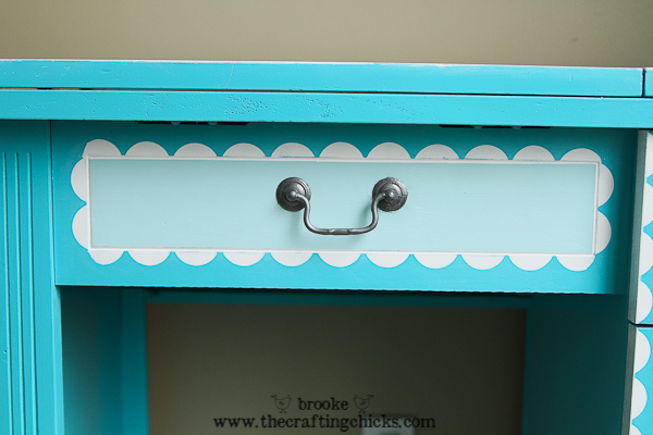scallop sewing desk-6829