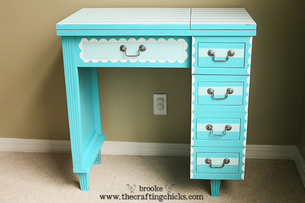scallops stripes sewing table