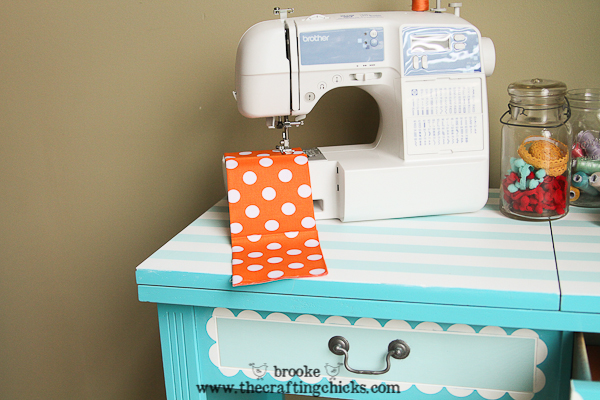 scallop sewing desk-6848