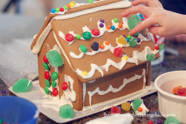 sm gingerbread house 4