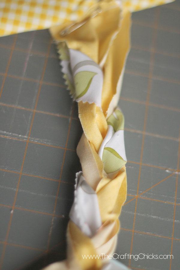 braiding-a-rag-rug