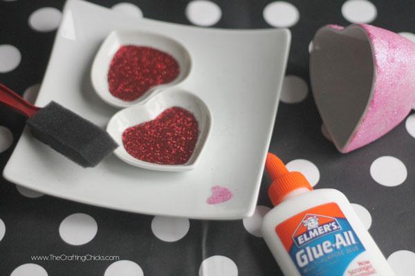 glitter-valentines-dishes