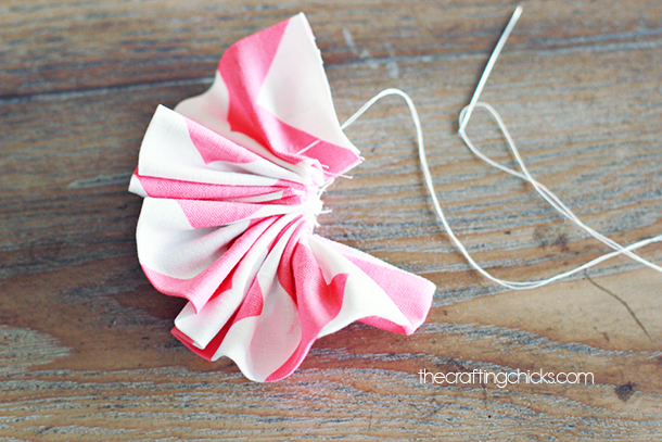 ruffle fabric flowers tutorial