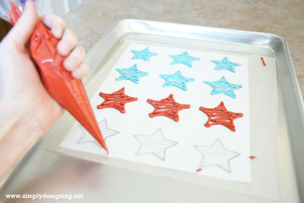 How to Make Chocolate Stars  |  These look complicated but are really very simple!  Pinning for later!  | #4thofjuly #stars #memorialday #recipe #desserts