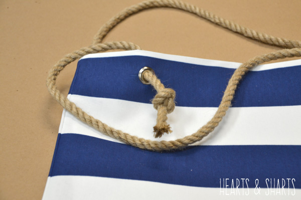diy-striped-totebag-with-rope-handles-Hearts-And-Sharts-for-The-Crafting-Chicks