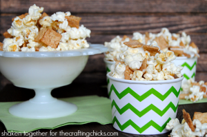 Sweet and salty, totally fun Cinnamon Toast Crunch white chocolate popcorn!