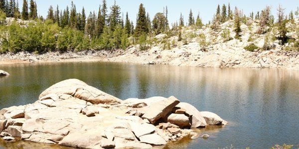 Summer Fun List-Family Hike in Utah