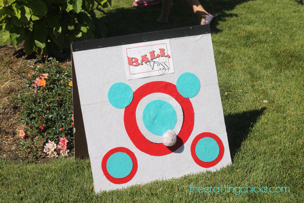 Ball toss carnival game