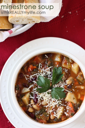 Homemade-minestrone-soup
