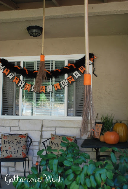 halloween porch 12