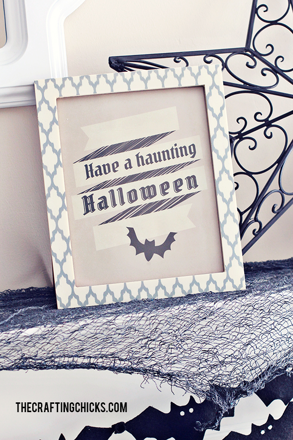 Black & White Halloween Mantle