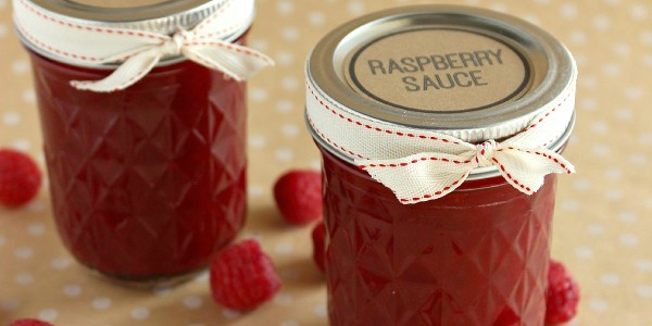 featured image raspberry sauce