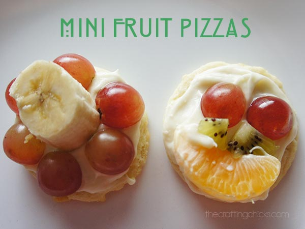 Fruit Pizzas with Toca Kitchen 2 - The Crafting Chicks