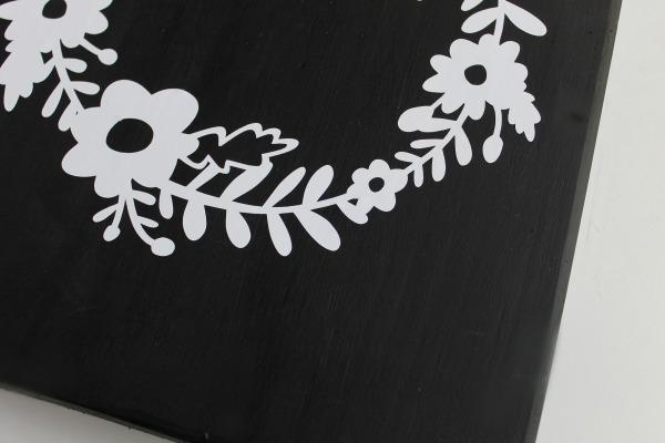 applyng vinyl lettering