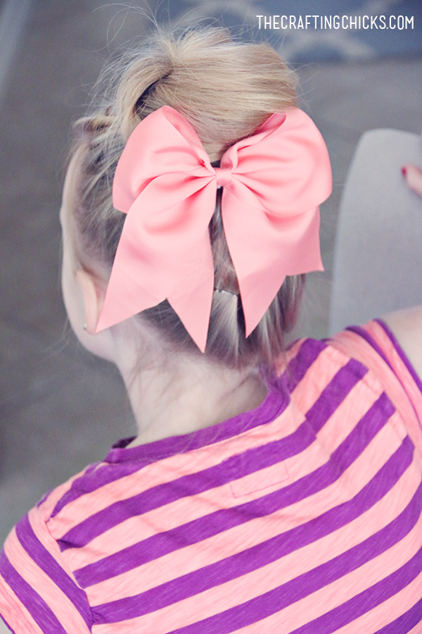 7 Must Have Hair Accessories for Girls