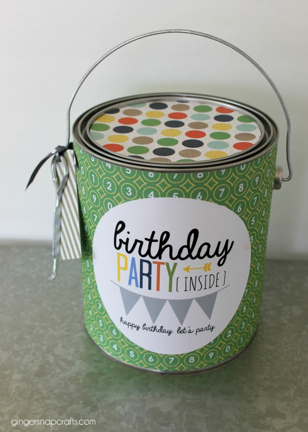 Do you need an easy birthday gift idea for the college student in your life? This party in a can gift idea with a free printable would be perfect.