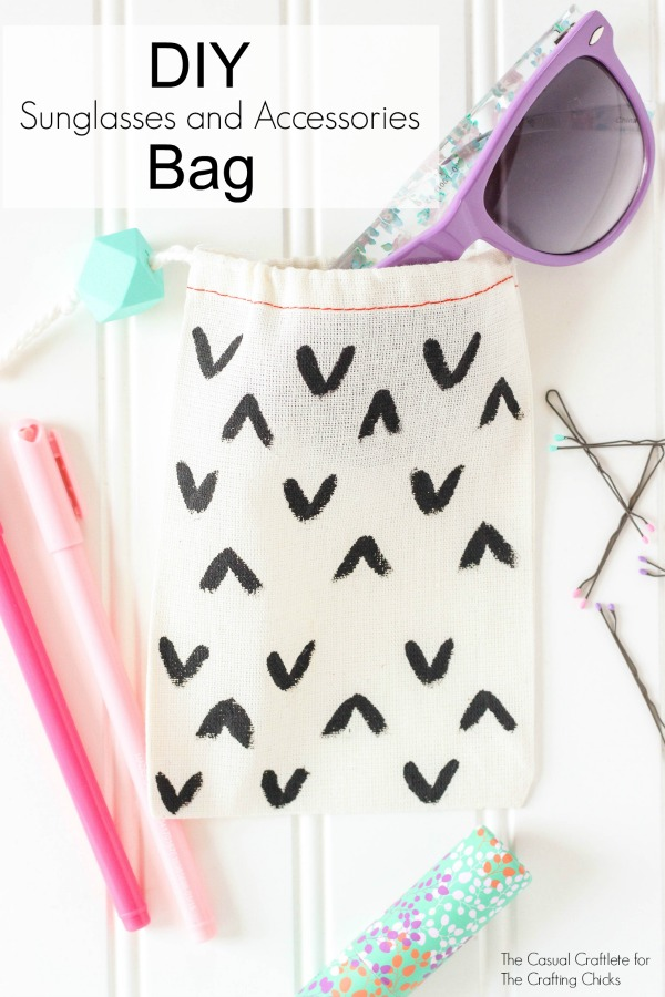 DIY Sunglasses and Accessories Bag - great for on the go or in the car