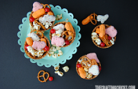 With a mix of circus themed treats, this Circus Snack Mix would be fun to take along on a trip to the circus, for a Dumbo movie day or a big top play date!
