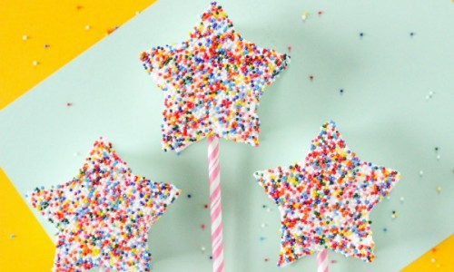 Easy-to-make-Marshmallow-Fairy-Wands-is-a-great-kitchen-activity-for-the-kids-this-summer
