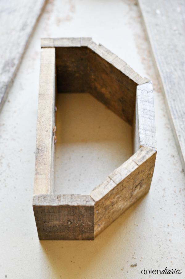 inner pallet monogram frame assembled