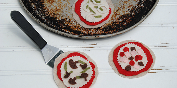 Mini Felt Pizzas