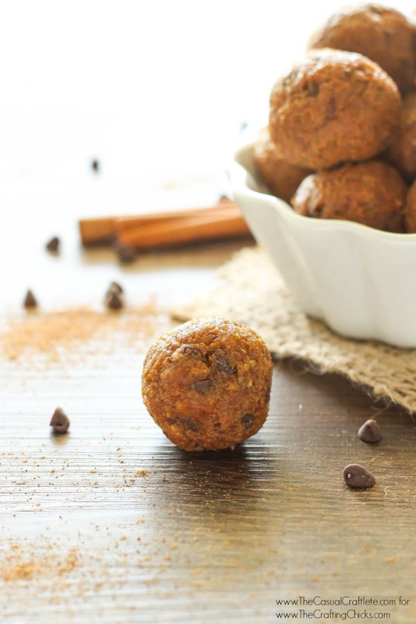 No Bake Pumpkin Chocolate Chip Energy Bites