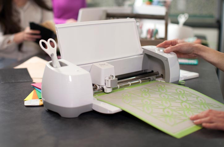 21 Awesome Cricut Explore Projects + A CRICUT GIVEAWAY - The