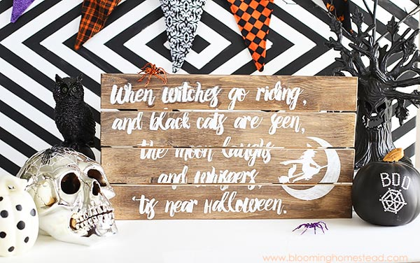 30 Halloween Favorites - printables, games, decor, desserts, pumpkins, treats, and more!