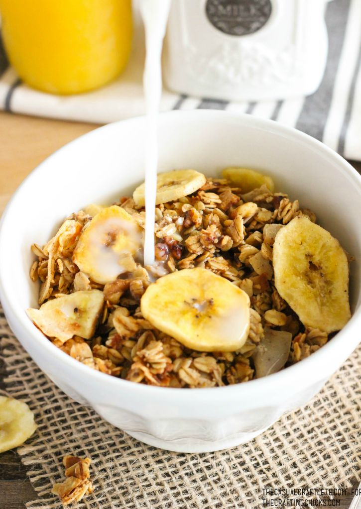Homemade Banana Bread Granola