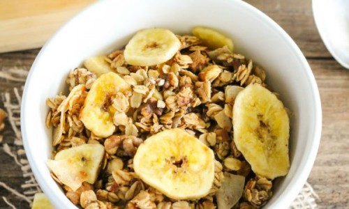 featured image - Banana Bread Granola via TheCraftingChicks.com