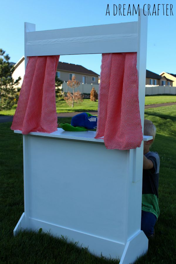 puppet show front