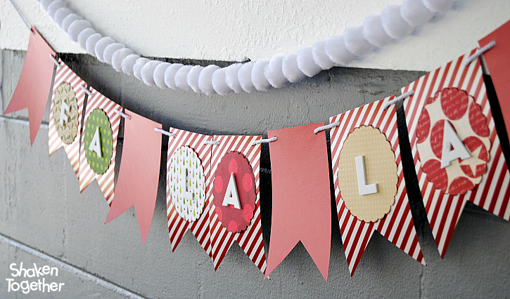 Deck the halls with boughs of holly and this simple, modern Fa La La Paper Banner!