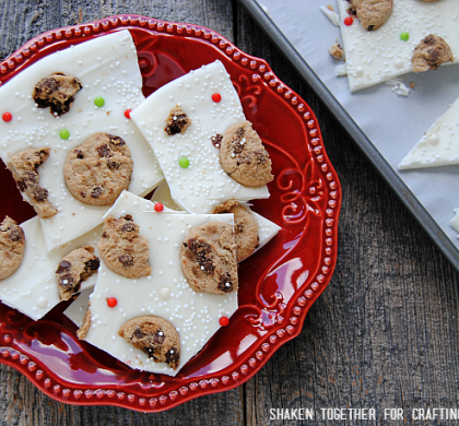 Milk & Cookies Bark {No Bake Christmas Treat!}